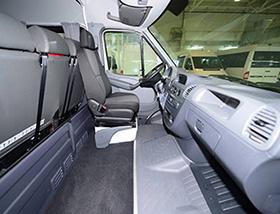 Mercedes-Benz Sprinter Classic Minibus Express микроавтобус кабина: сидение водителя и место для багажа
