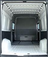Грузовое отделение микроавтобуса Peugeot Boxer